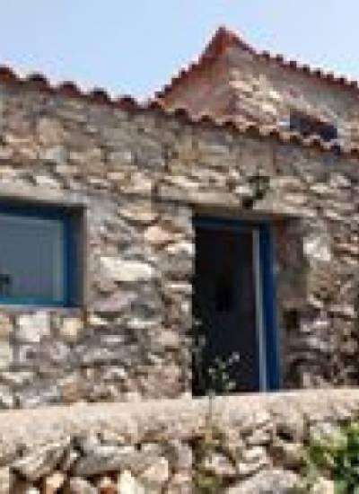 Stone house in Platsa - € 79.500 inc. car Skoda Fabia