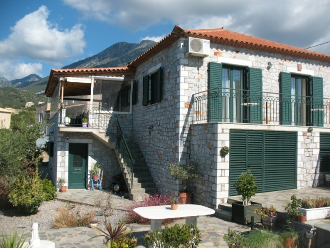 Bungalow, Close to village Neochori - offers in excess €250,000