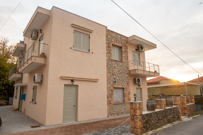 Rooms in Stoupa