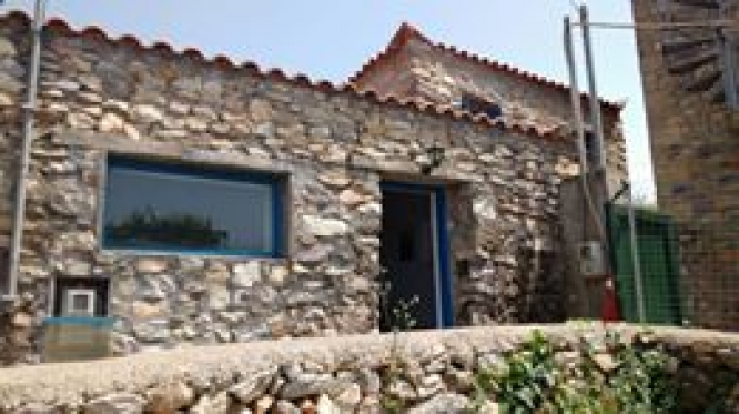 Stone house in Platsa - € 79.500 inc. car Skoda Fabia